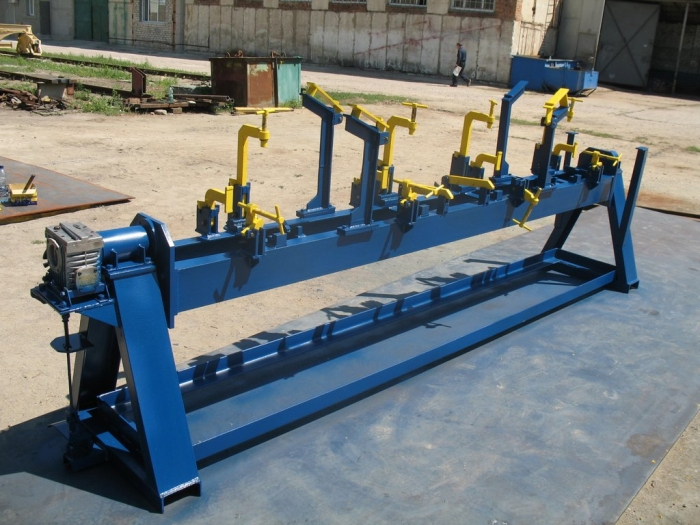 Jig for cross-bearer girder assembly