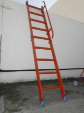 Photo 5: Ladder for entry and exit 1.7601.9908.500.000 (YUPTM 122.00.000)