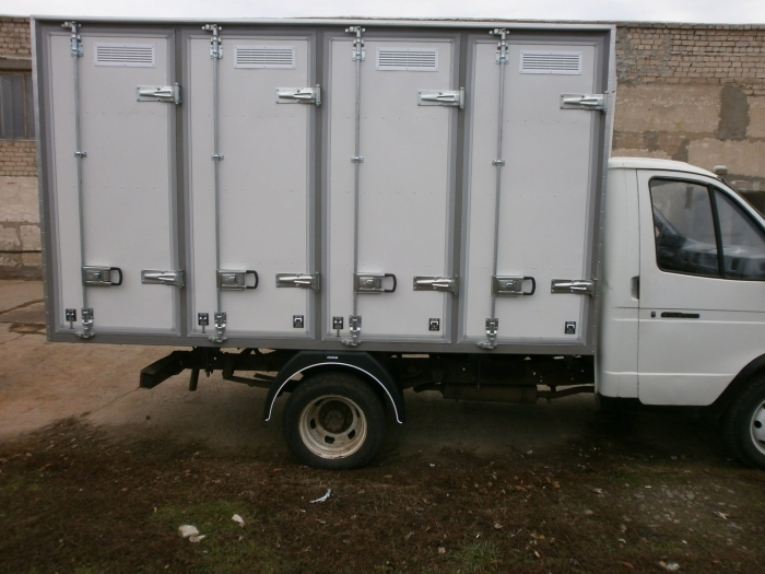 Insulated Bakery Delivery Van with holding capacity of 120 bakery cases (4-door box) based on GAZ 3302 light truck frame