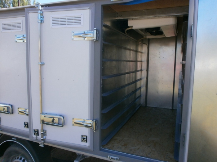 "4-door bread isothermal van on the chassis of the car ""Mercedes - Benz Sprinter 313"""