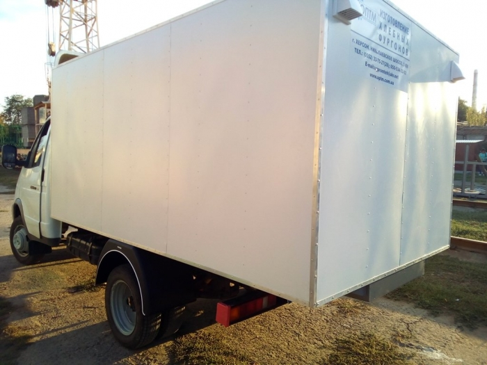 4-door isothermal bread van for 96 trays on the chassis of the GAZ 3302