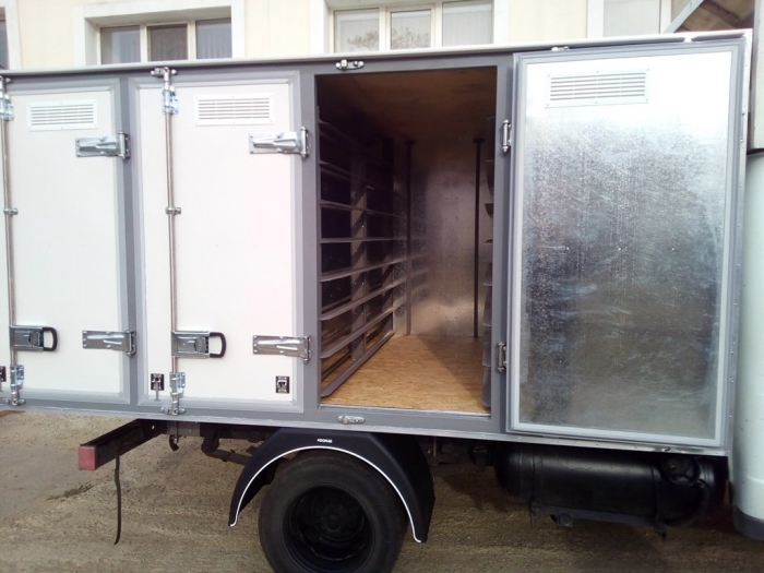 4-door bread isothermal van on 96 trays on the chassis of GAZ 3302